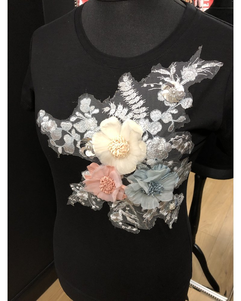 Flower embellished T-Shirt