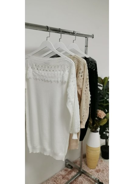 Jill lace shoulder jumper