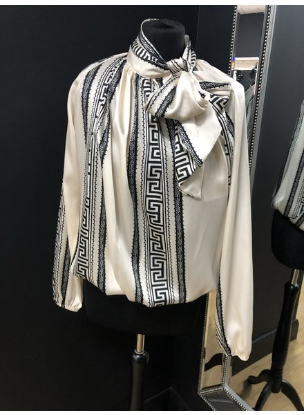 Amelia pussy bow blouse