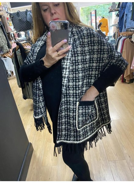 CeeCee Check cape with sleeves