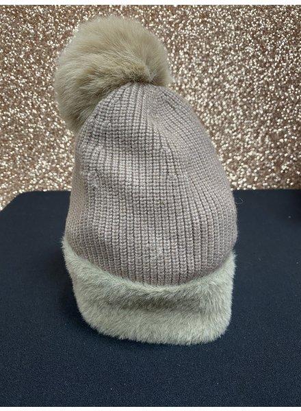 Fur trimmed Pom Pom hat