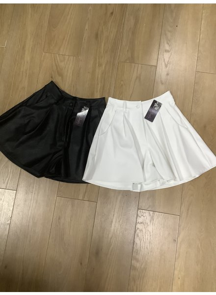 Mina faux leather skort