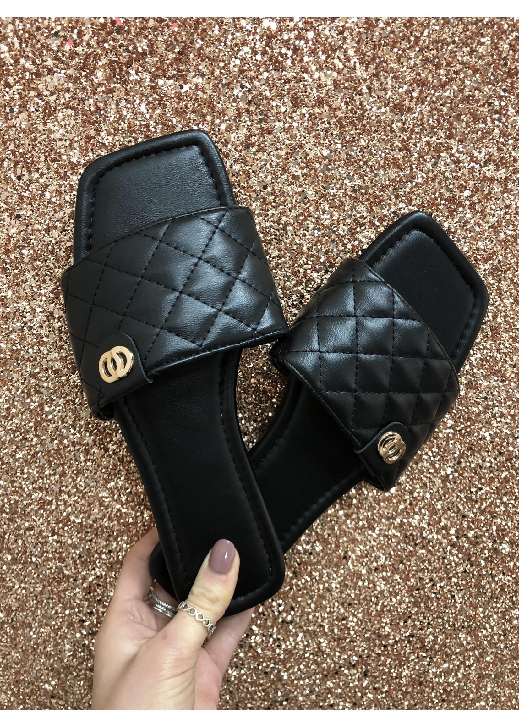 Carly quilted slider