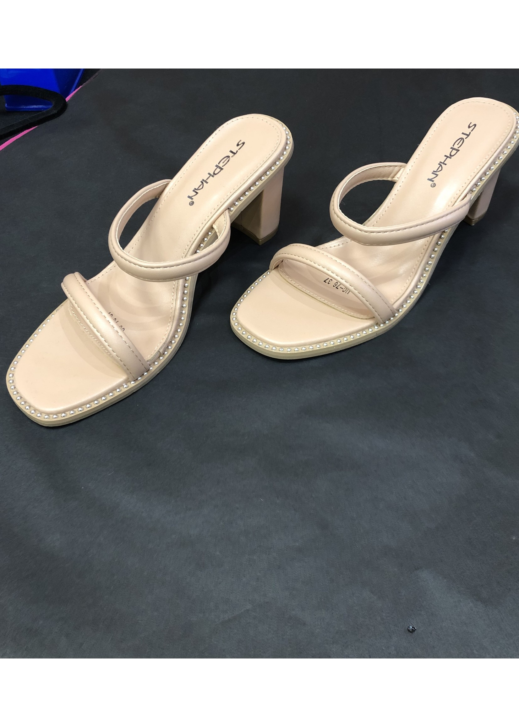 Zoe sandal