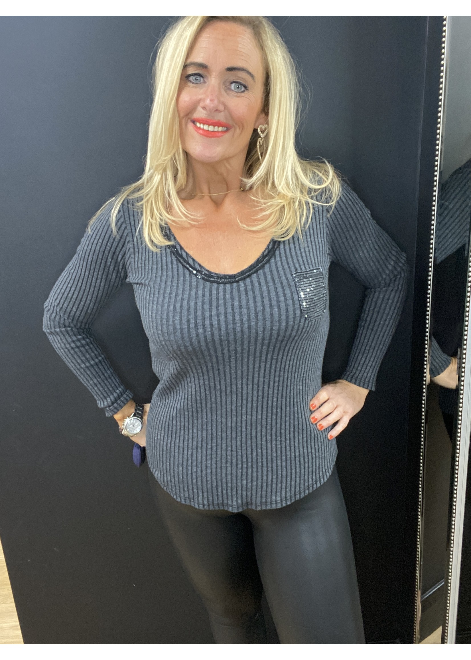 Roxy ribbed sequin pocket top