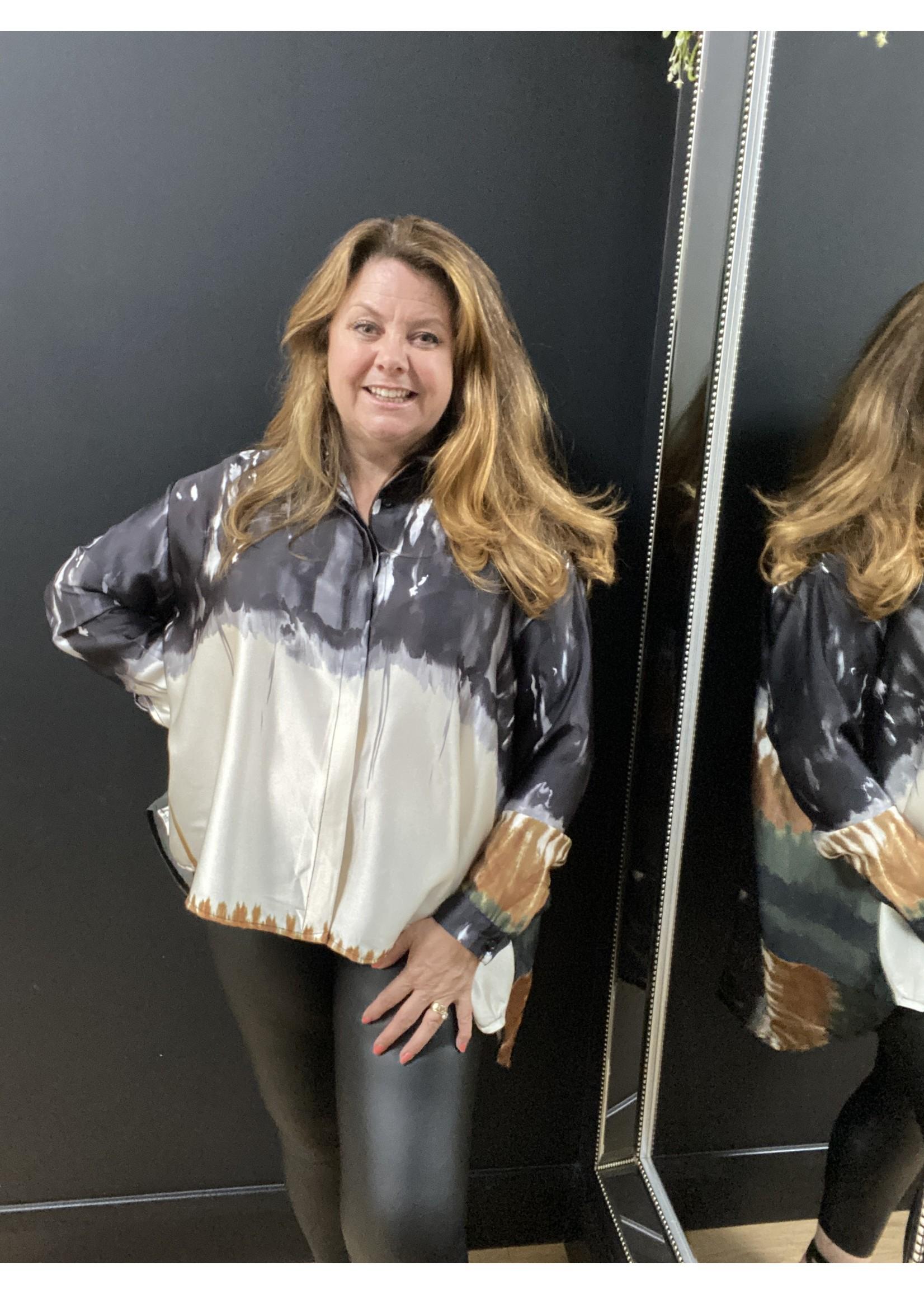 Emily blur print shirt