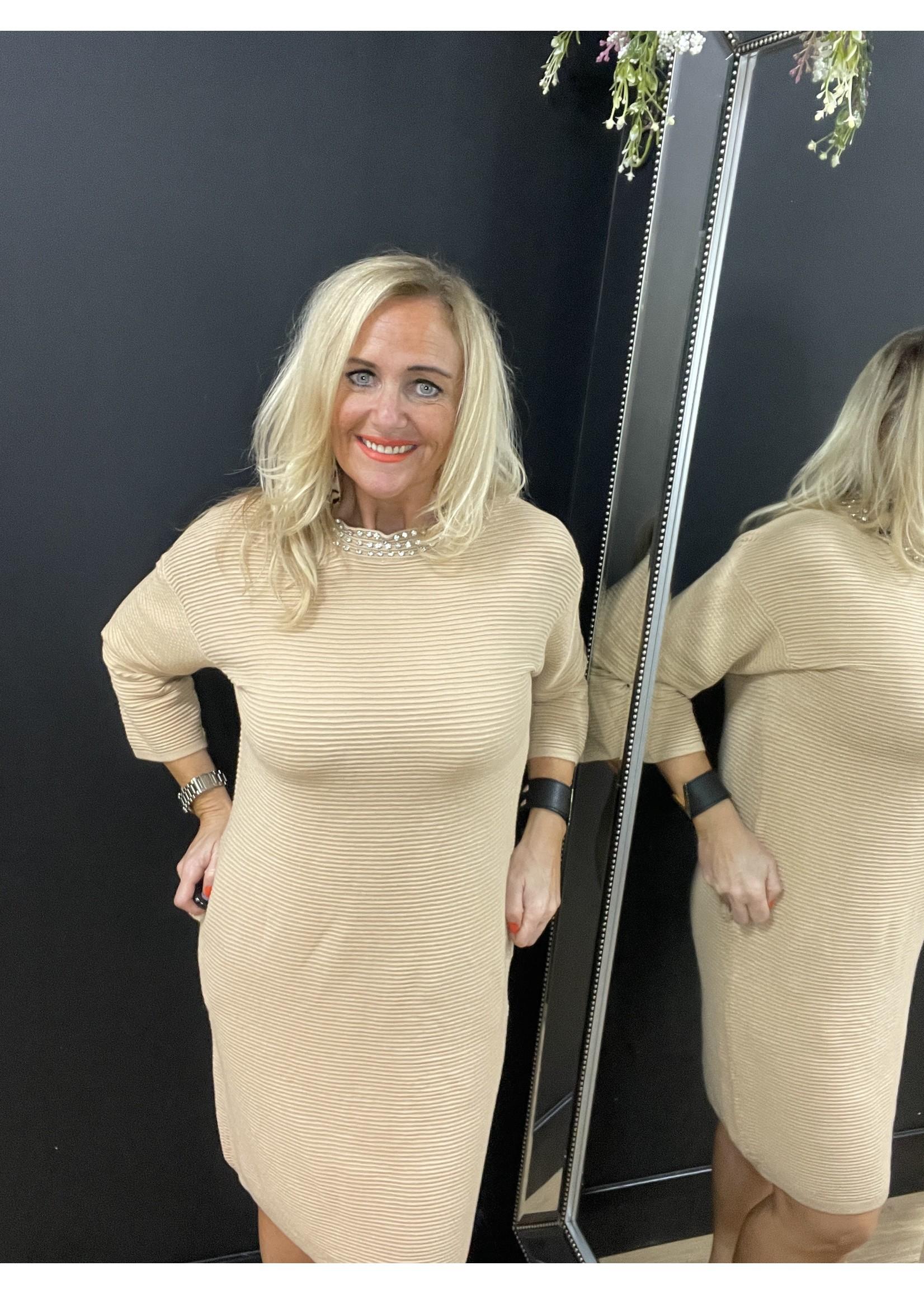 Dana diamanté neck ribbed shift dress