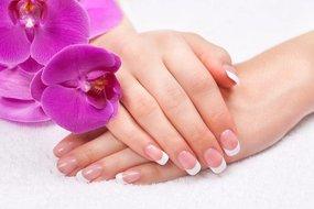 Wees lief voor je nagels: Verzorgingstips voor mooie nagels.