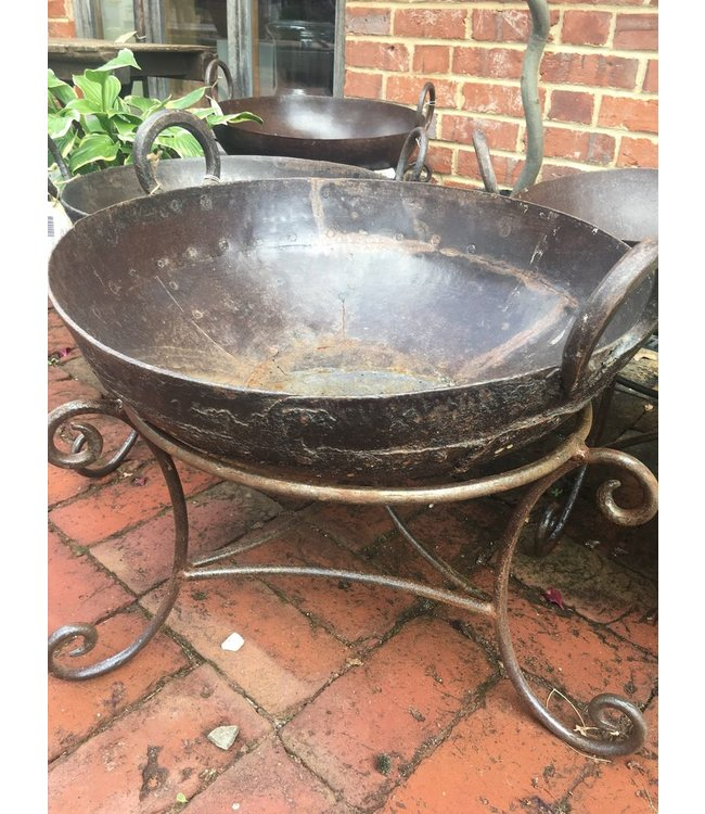 Small Kadai Fire Bowl with stand