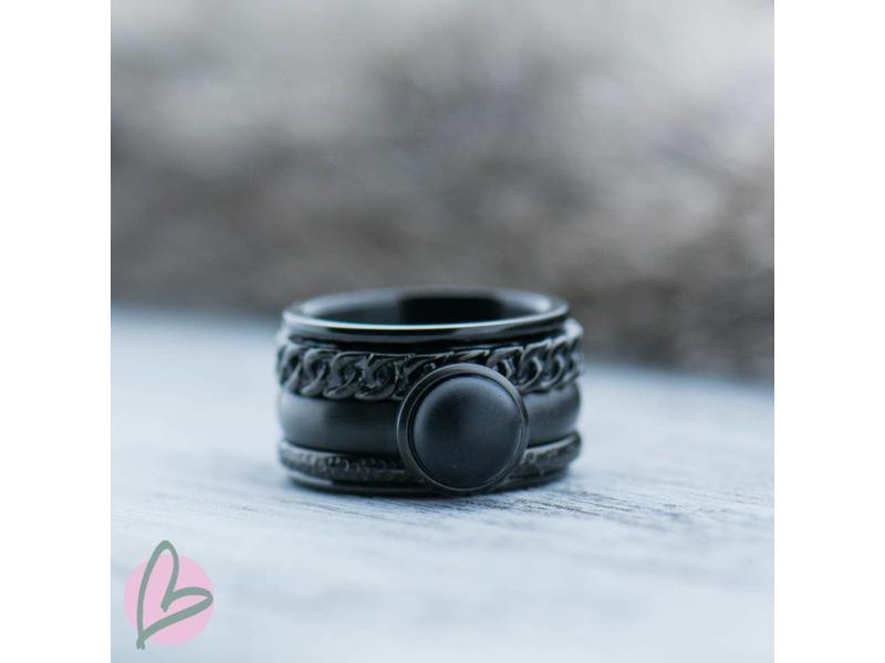 IXXXI complete ring in volledig zwart met matte zwarte steen