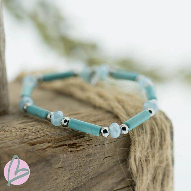 Biba armband  (turquoise)blauw en zilveren kralen