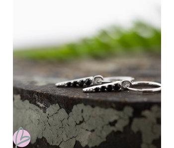 KARMA Hoops oorringen zilver met zwarte zirconia