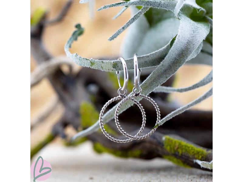 KARMA Hoops Symbols Open cirkle twisted silver