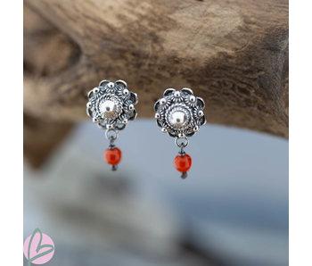 Zeeuws Zilveren Zeeuwse knop oorstekers10mm  met koraal
