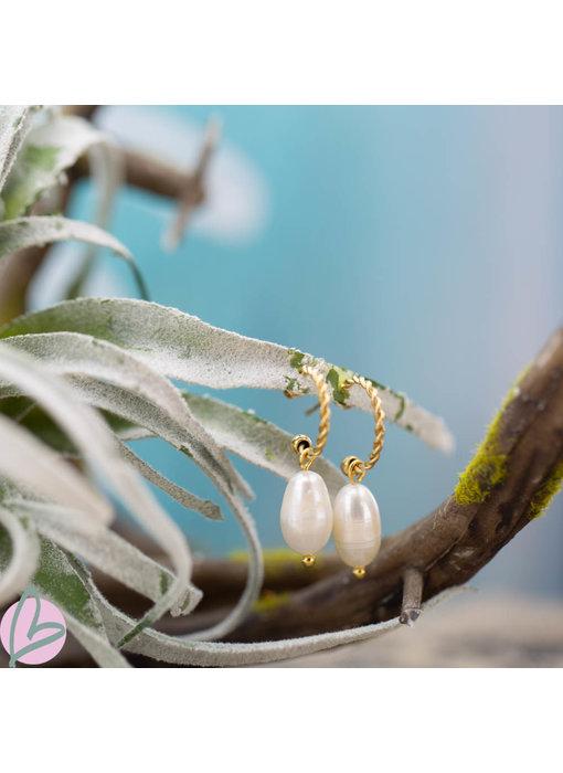 Beadle Goudkleurige oorbellen met witte parel