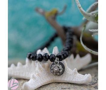 Zeeuws Zwarte facetkralen armband met zeeuwse knop