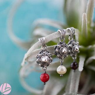 Zeeuws Echt zilveren Zeeuwse knop hanger met witte parel