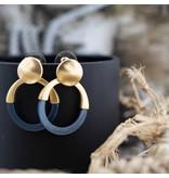 Biba Matgoud oorbellen met blauwe open hanger