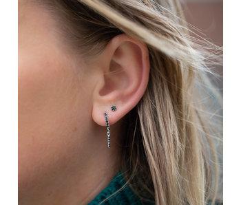 KARMA Zilver sterke oorbellen of oorstekers zwarte zirconia
