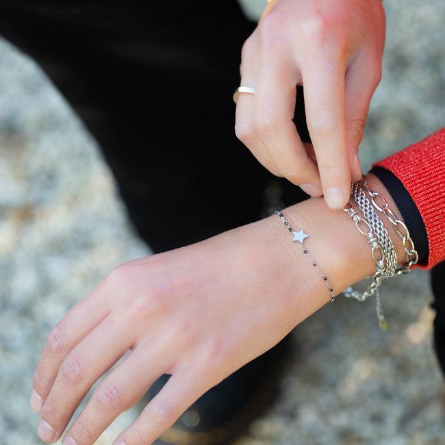 KalliKalli Zilver ster armband met zwarte kraaltjes van Kalli