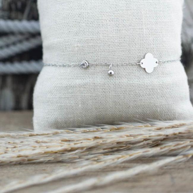 ZAG  Bijoux Zilveren klaver armband met steentje