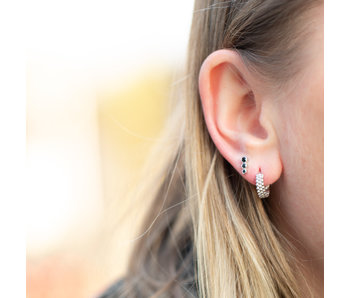 KARMA Zilver oorbellen brede creolen of zwarte oorstekers