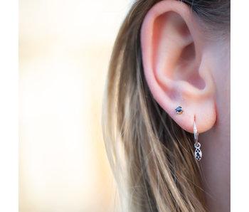 KARMA Zilver oorbellen of stekers met zwarte steentjes