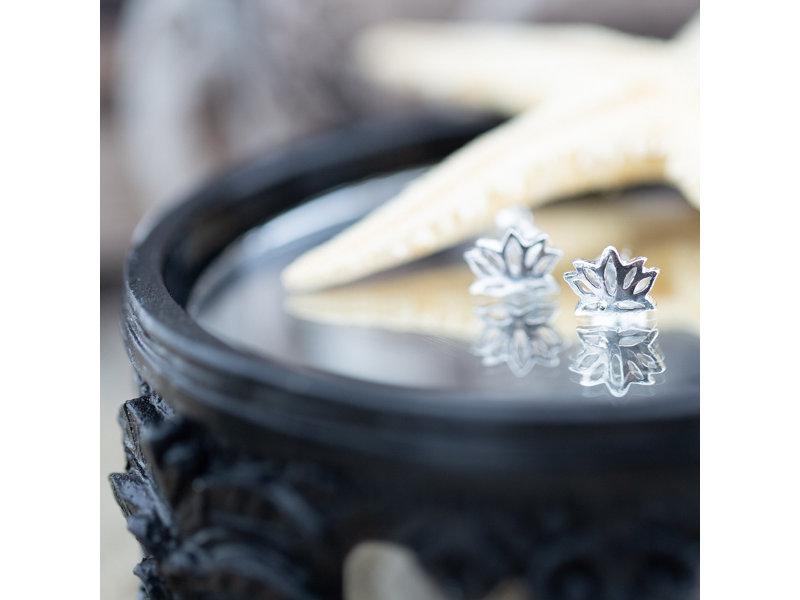 KARMA Echt zilver lotusbloem oorbellen