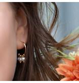 Biba Creool oorbellen met drie witte parels