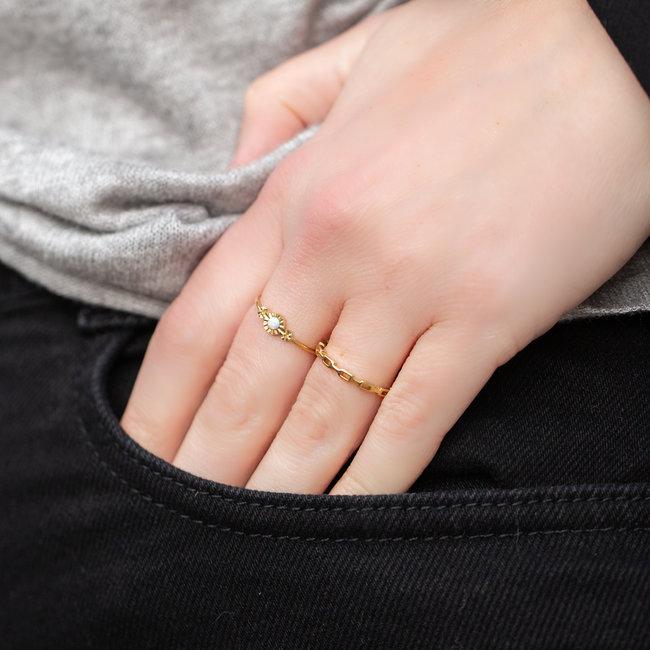 Charmins Fijne goud ringen steentje of schakel