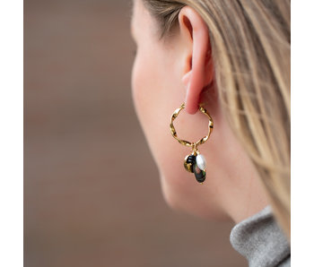 By Jam Gioielli Gedraaide grote oorbellen met munt en parel