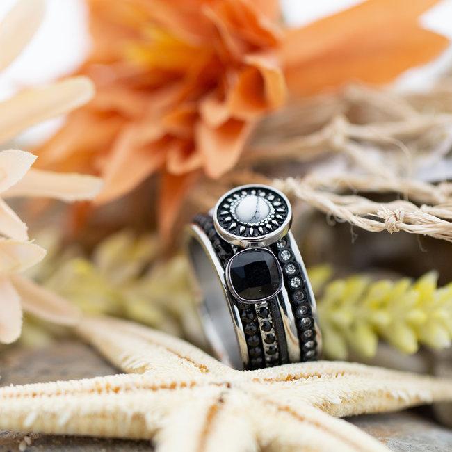 IXXXI Complete ring zwart wit