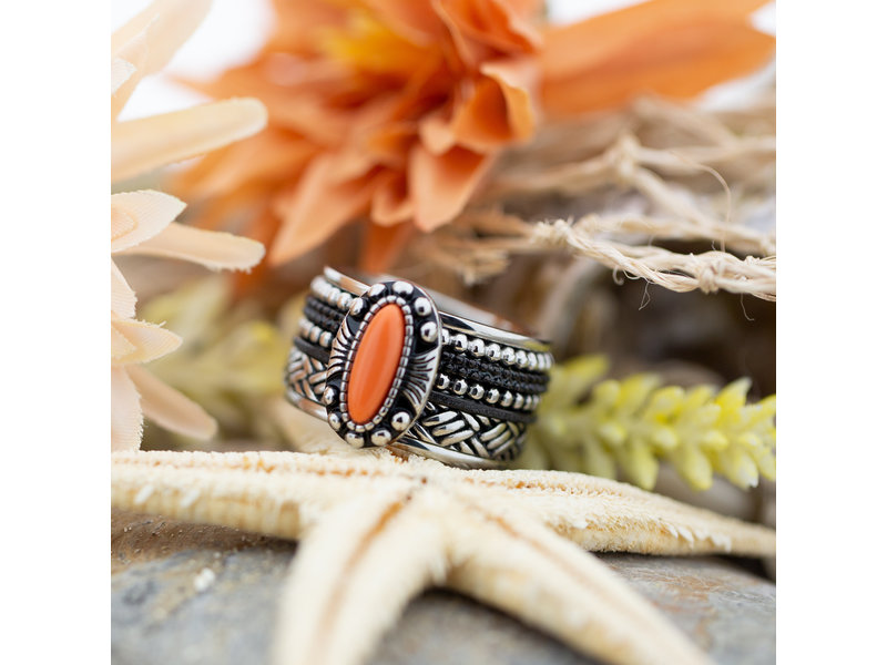 IXXXI Complete ring indian coral