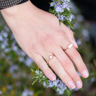 IXXXI Losse boho wit met rosegoud ring