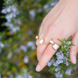 IXXXI Losse boho witte ring goud