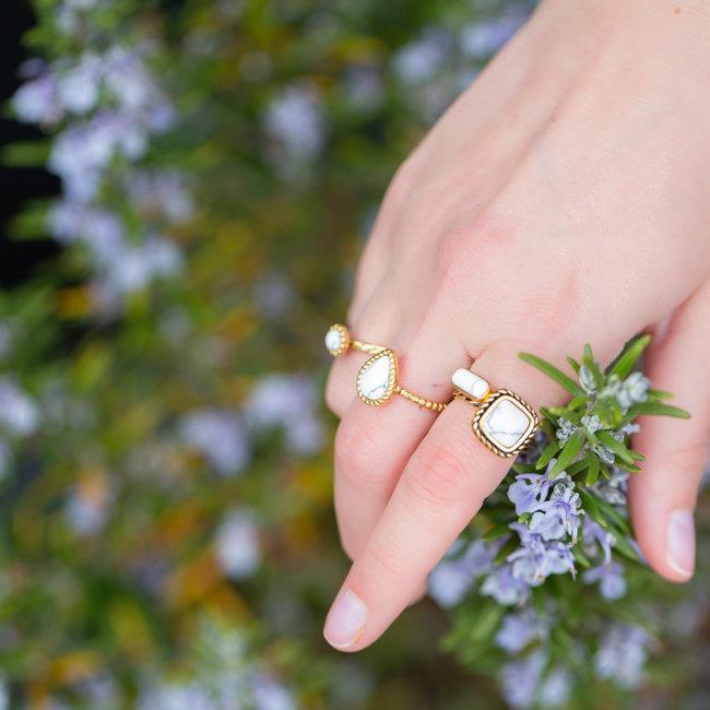 IXXXI Losse boho witte ring goud