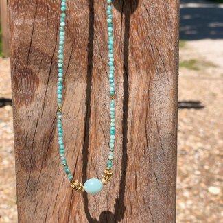 ZAG  Bijoux Ketting goud met blauwe kralen en grote steen