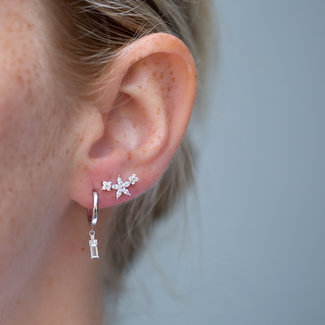 KARMA Zilveren oorbellen zirconia oorbellen
