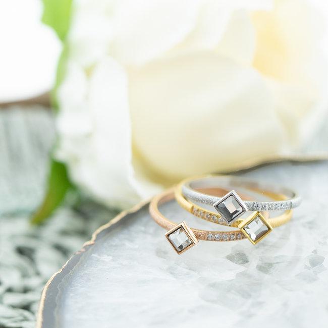 IXXXI Los te dragen ringen Lumi