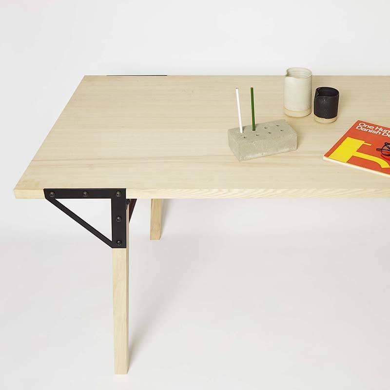 Frama Table T1