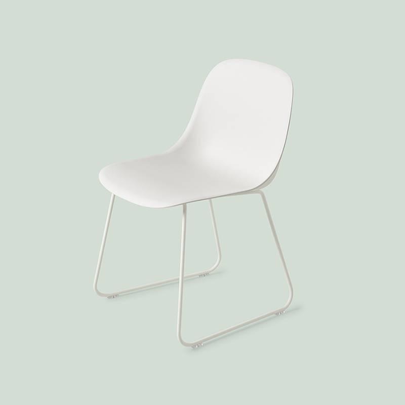 Muuto Fiber Side Chair pieds traineaux