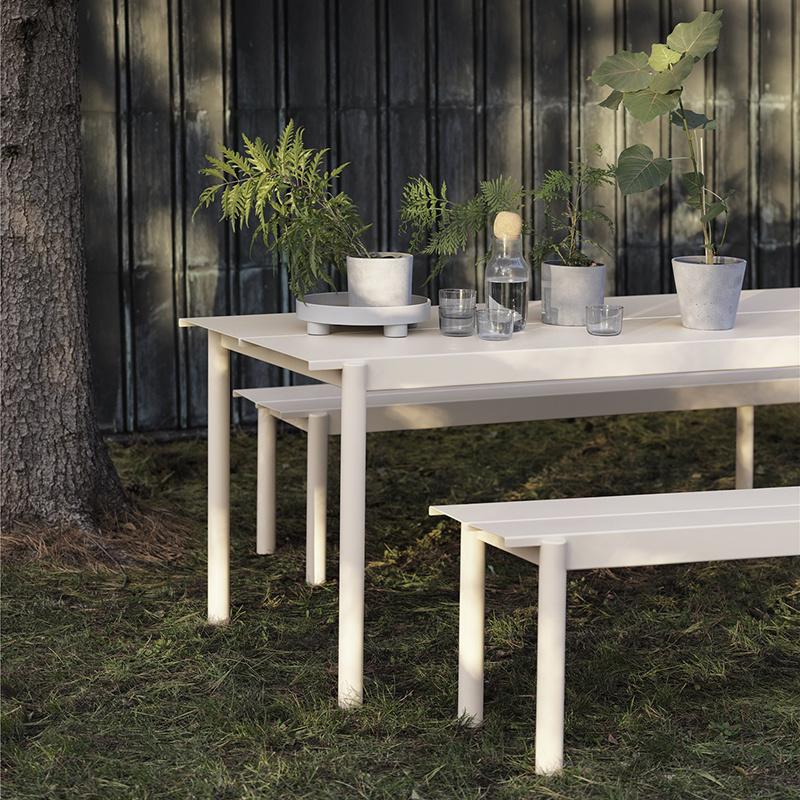 Muuto Linear tafel