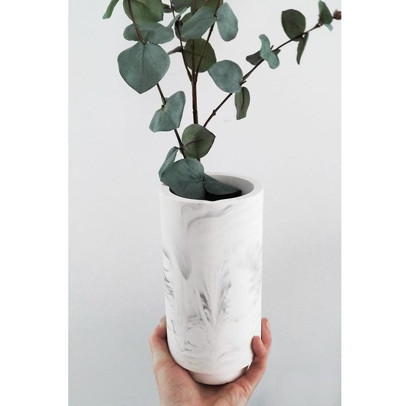 House Raccoon Vaas - white marble