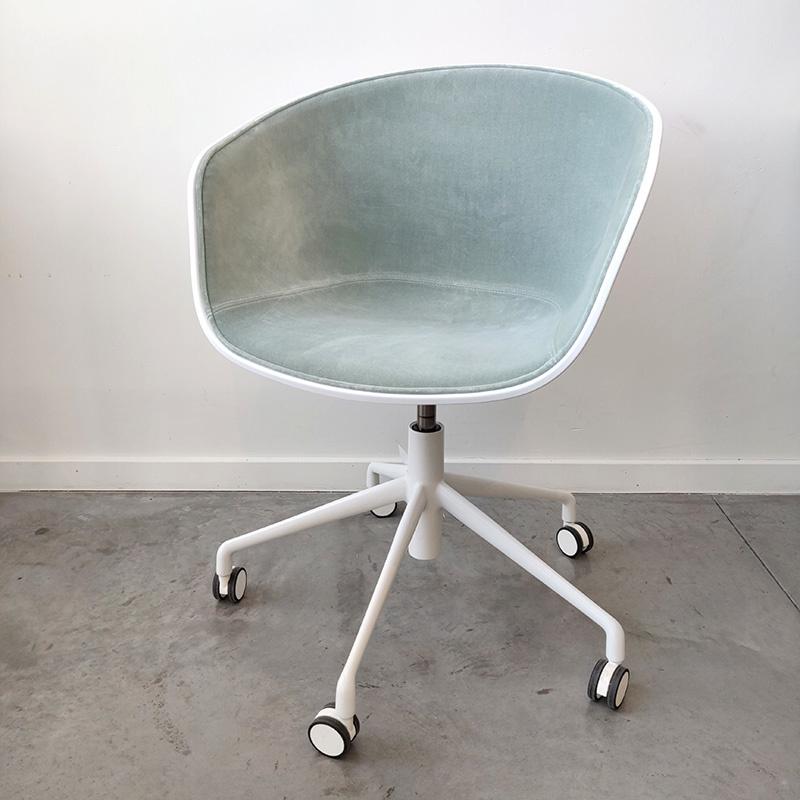 HAY About A Chair AAC52 avec levier  revêtu