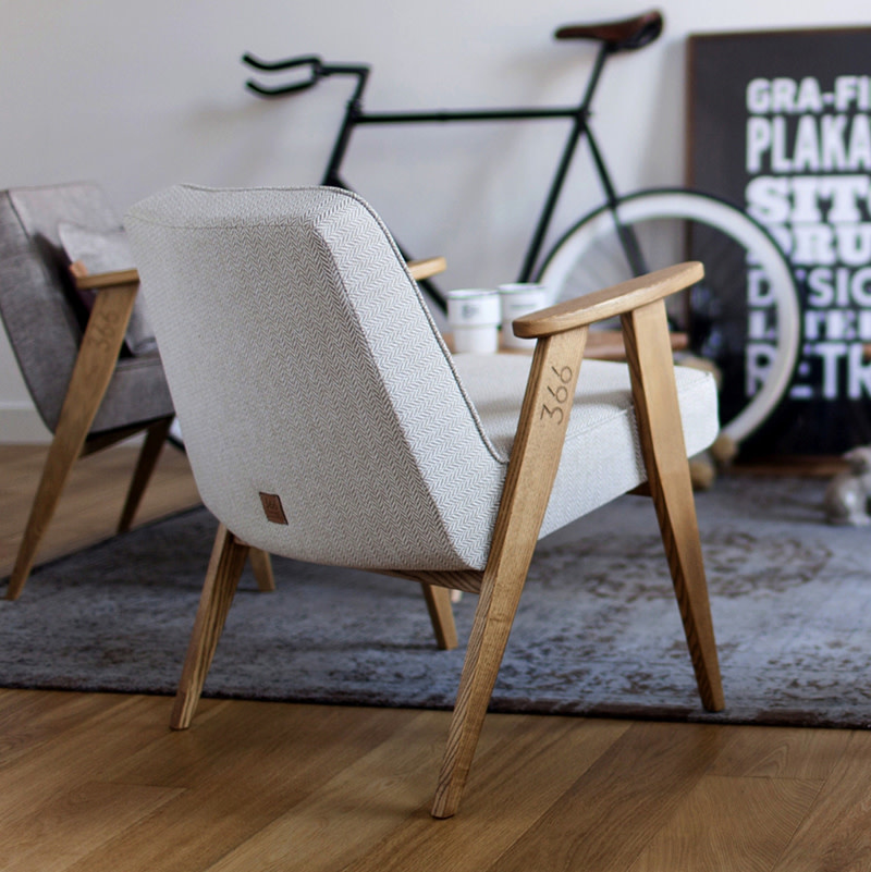 366 Concept 366 Armchair Tweed - Hout in foto's is naturel eik!