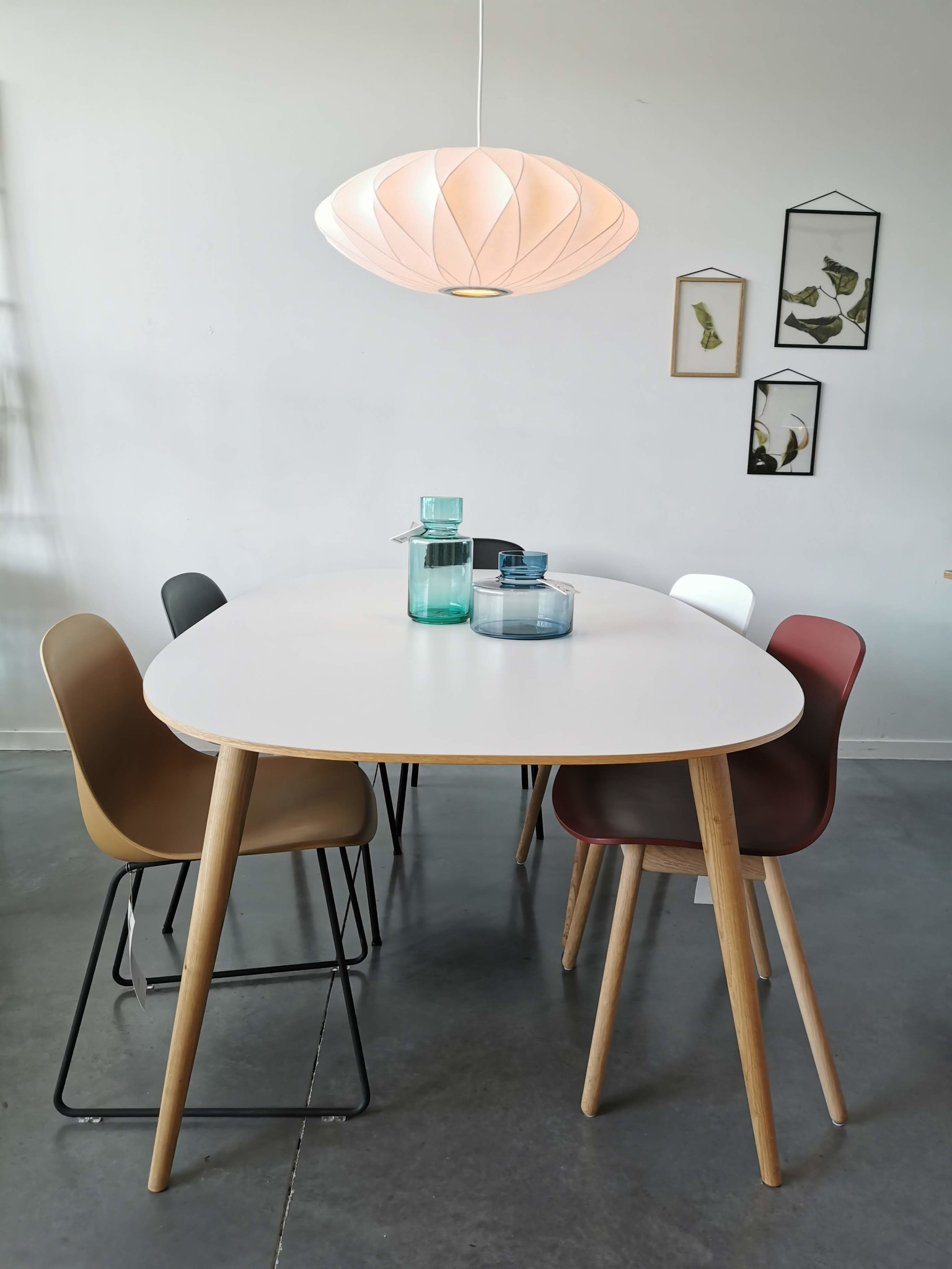 Bruunmunch MODÈLE SHOWROOM -PLAYdinner tafel lamé laminaat + 1 extention