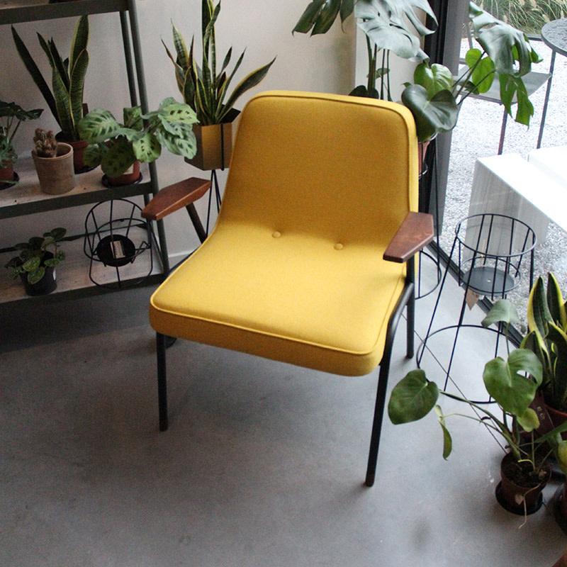 366 Concept SALE - 366 Metal Armchair / wool mustard - oak 05 - black matt frame