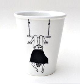 helen b Tasse imprimée - Trapeze girl