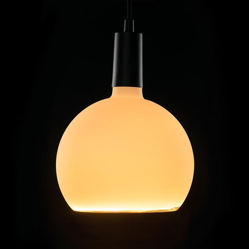 Segula Floating Globe LED mat melkglas