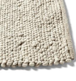 HAY 200 x 300 - Peas random tapijt with cotton backing